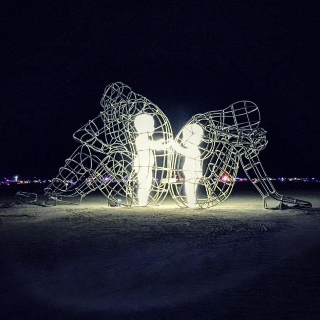 ukrainian-sculpture-burning-man-love-ale